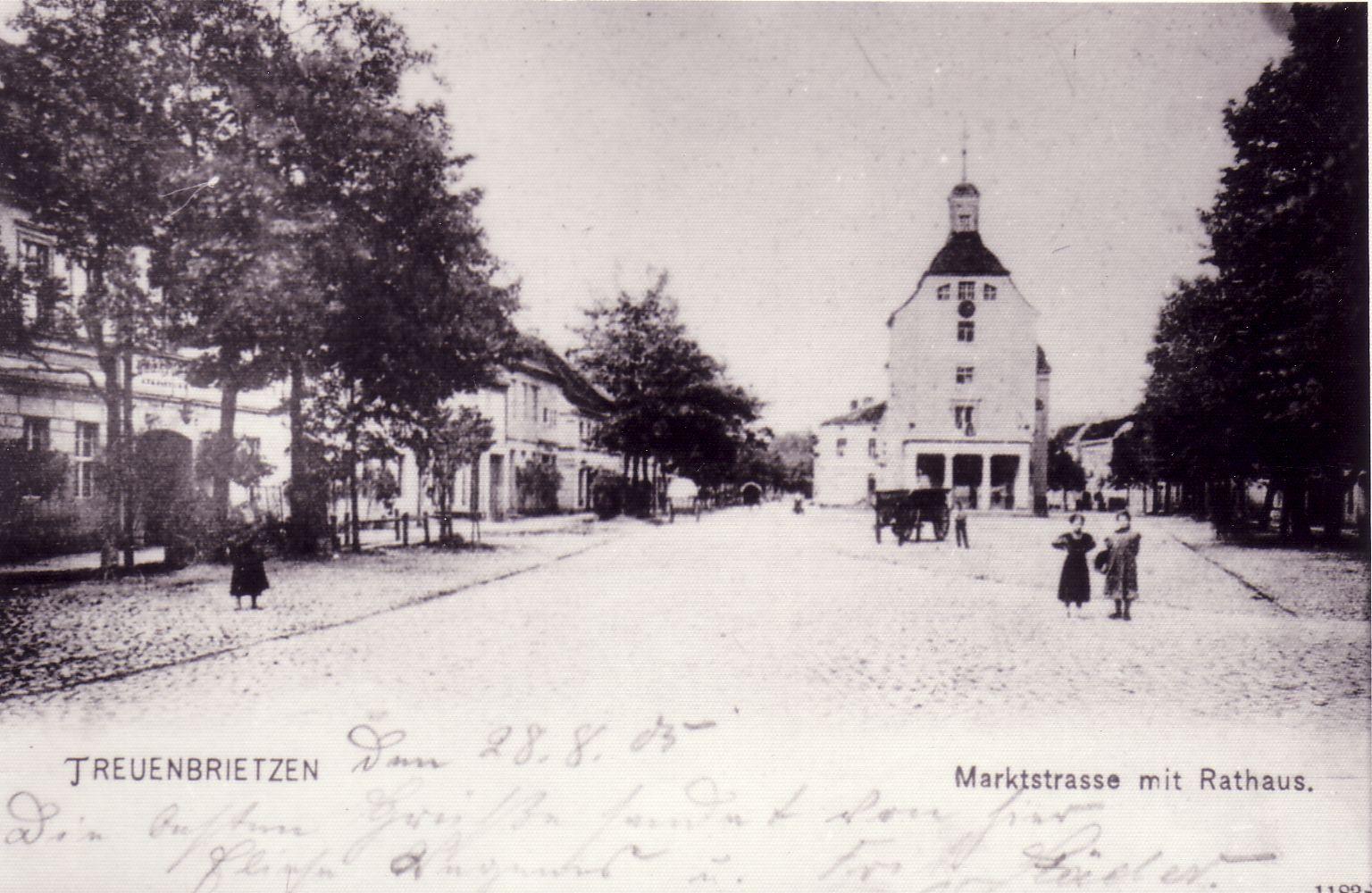 Treuenbrietzen_Markt_Rathaus_1905